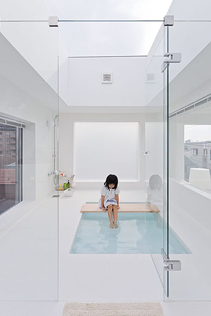 sou fujimoto house h bathroom 2