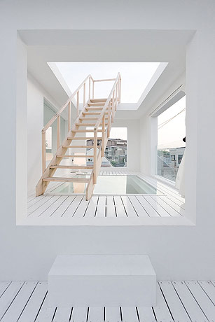 sou fujimoto house h to the roof