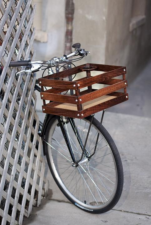 bates crates drevena bednicka na bicykel s drziakom na pohar