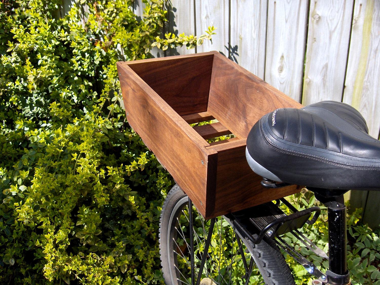 wooden bike basket drevena bednicka s plnymi stenami na bicykel