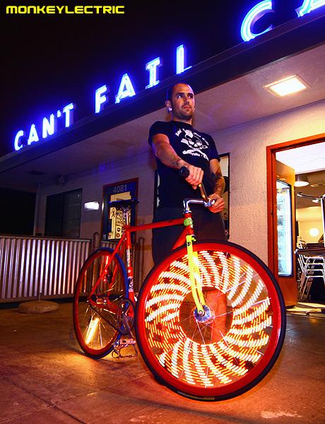 monkey light svetlo na koleso bicykla