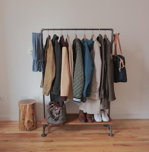 RYAN E. PLETT youhavebrokentheinternet Handmade coat rack vesiak na kabaty vyrobeny z tyci