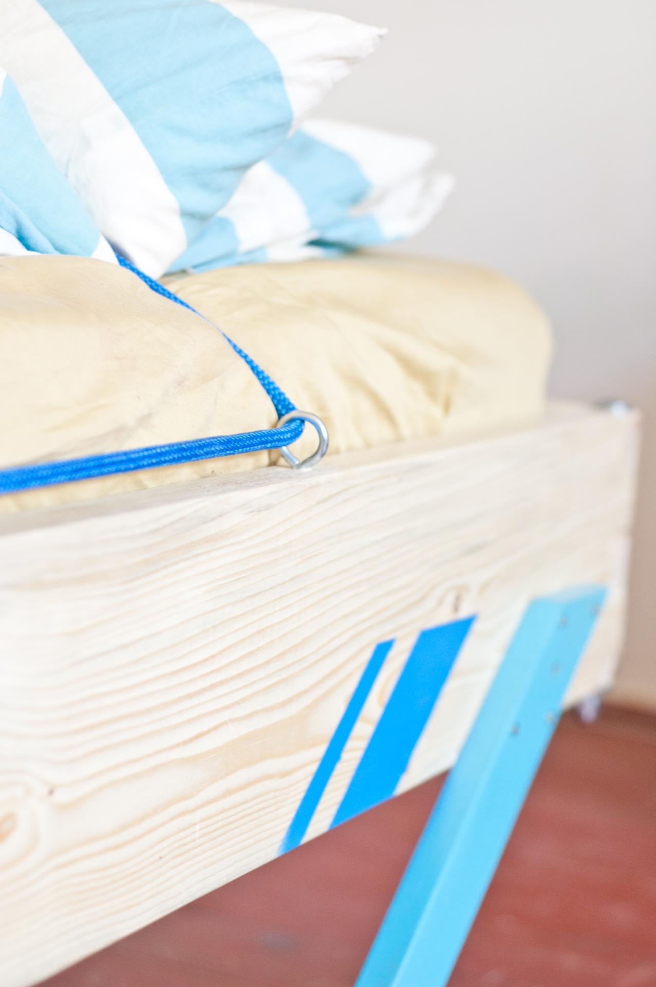 tototu by tototu -  sklapacia postel no.2 - uchytenie lana