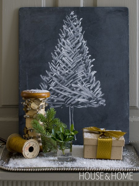 22 housenadhome.com chalkboard painted holiday tree tabula krieda stromcek