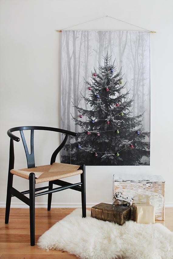 37 almostperfect.com plagat strom s ozdobami