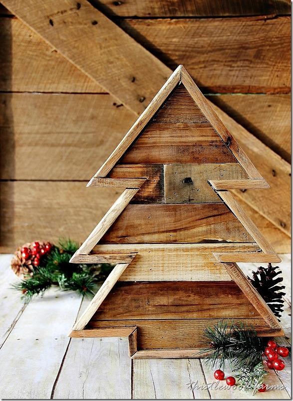 39 thislewoodfarms.com stromcek z paliet