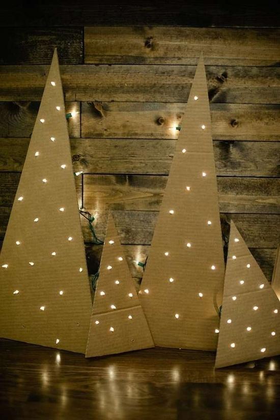 66 diy cardboard christmas tree karton stromcek prepichnuty karton